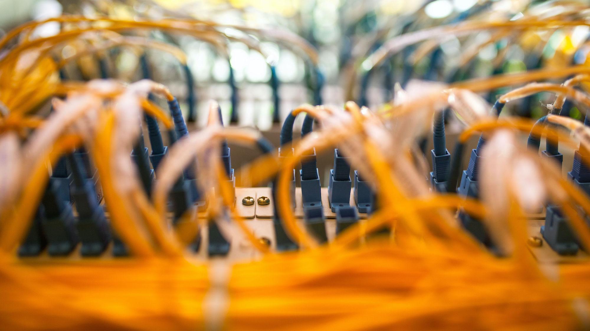 Infraestructura de cables y fibra optica en canarias - Globalan